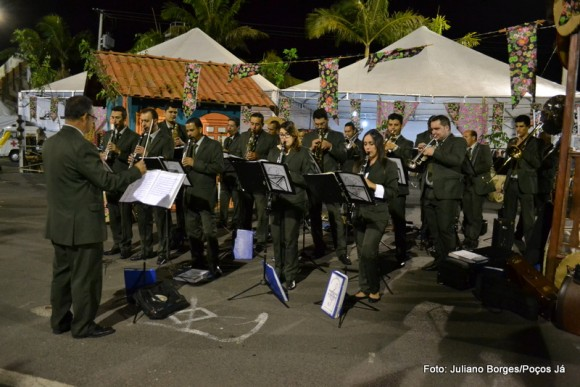 Banda Maestro Azevedo foi a primeira atração da festa.