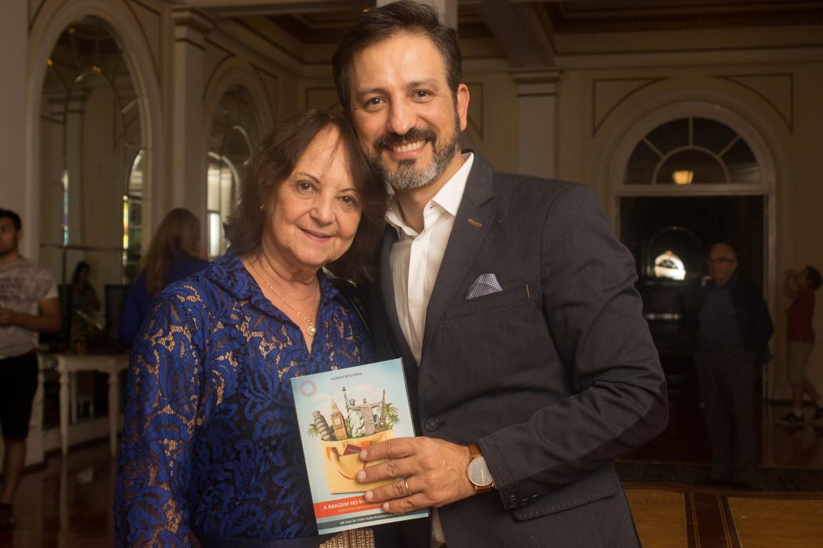 Adinan Nogueira ao lado da amiga Lourdes Silva (foto: divulgação).