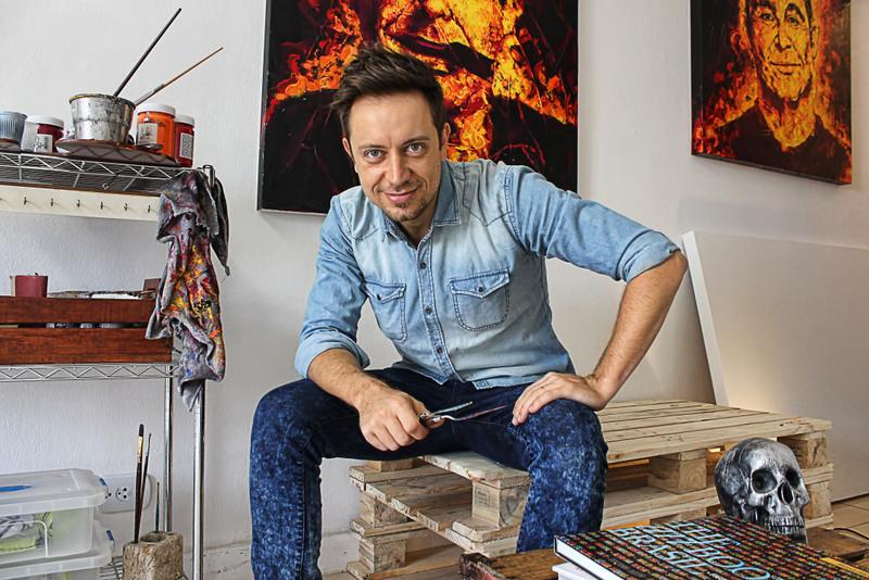 Artista plástico paulistano tem obras em coleções particulares de outros países (foto: divulgação).