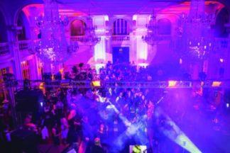 Baile de Máscaras será neste sábado no Palace Casino