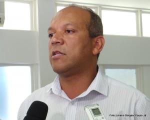 Prefeito acredita que mutirão será finalizado em julho do próximo ano.