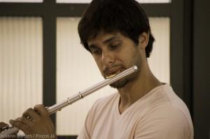 Flautista chileno está em Poços de Caldas pela primeira vez.