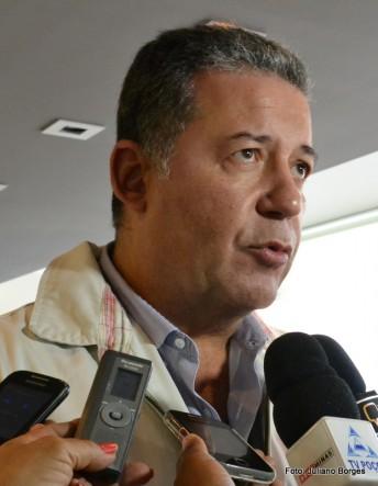Presidente da FBHA participou da reunião.