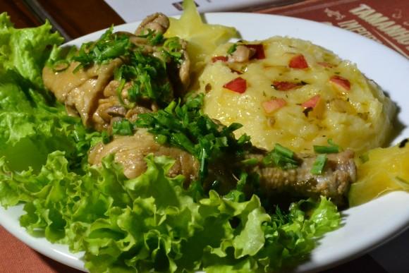 Frango Purenacional é o prato do BR-306, bar que venceu o concurso no ano passado.