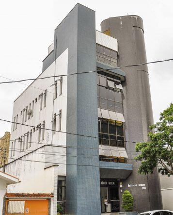 Centro Oftalmológico Carlos Aterje fica na rua Ceará, 188, Centro
