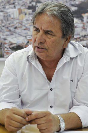 Para Antônio Carlos, as filas de espera na saúde estão entre os maiores problemas da cidade (foto: Juliano Borges/Poços Já).