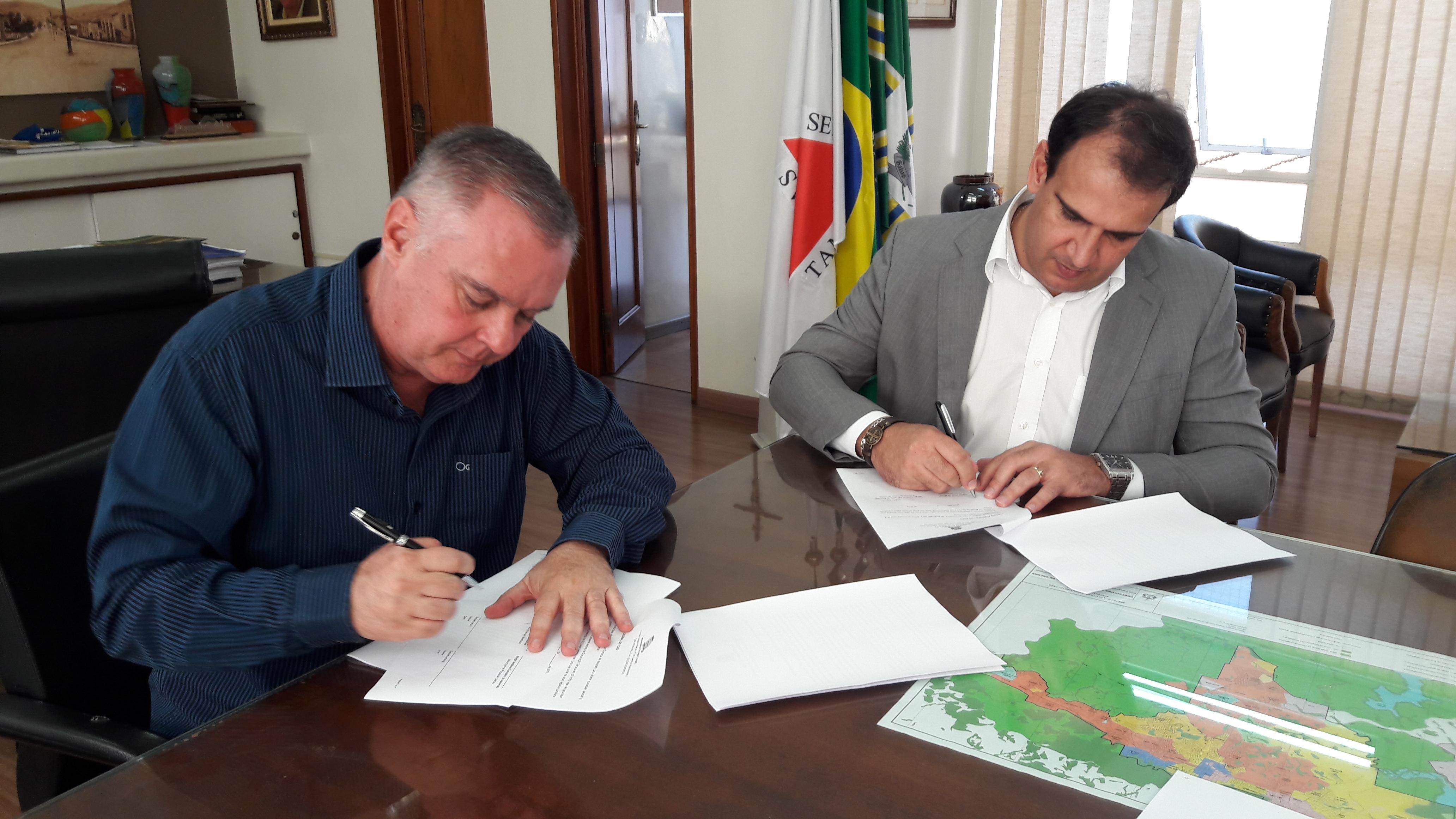 Poços e Machado planejam aterro sanitário conjunto