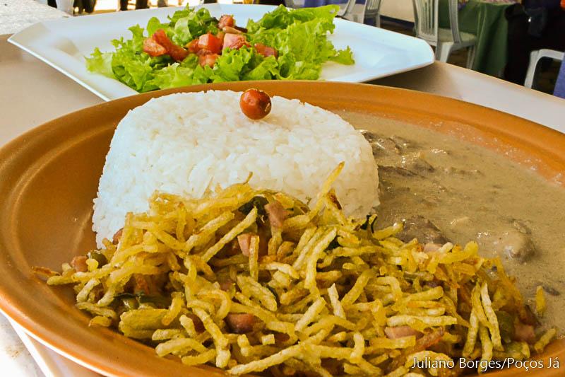 Strogonoff é o principal prato da Paróquia São Sebastião.